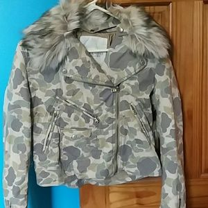 Camo fur trimed jacket